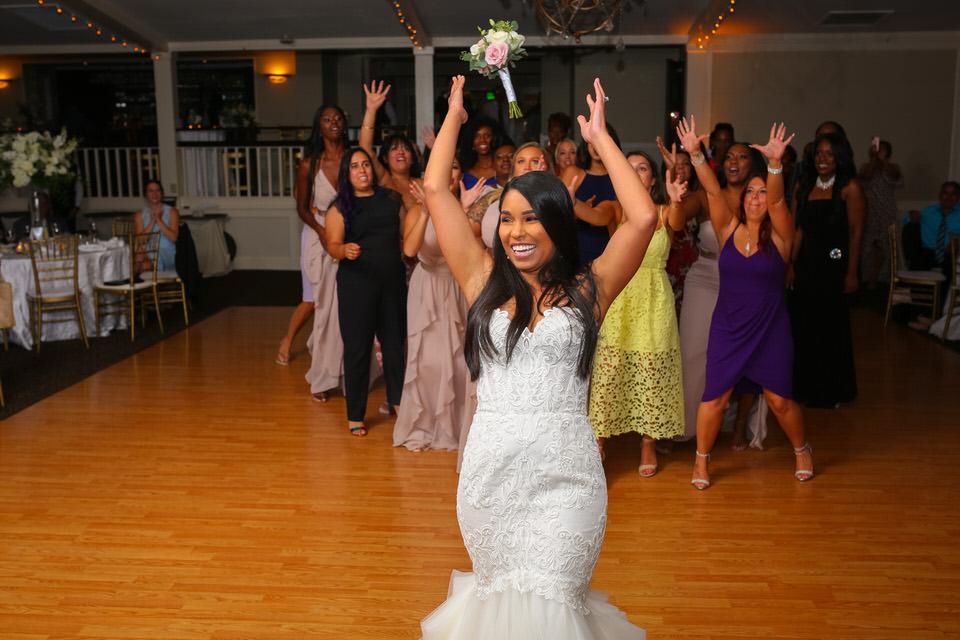 Inn at Long Shore Wedding Bouquet Toss- CT Photo Group